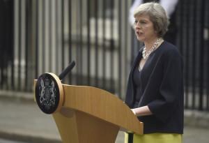 7月13日、英与党保守党のメイ新党首が首相に就任した。演説するメイ氏(2016年 ロイター/Toby Melville)