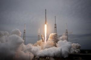 rocket-launch-693206_640[1]